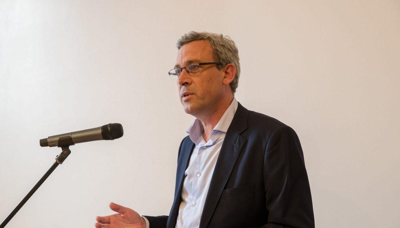 Governo dos Açores prolonga prazo de contratos de bolsas de investigação