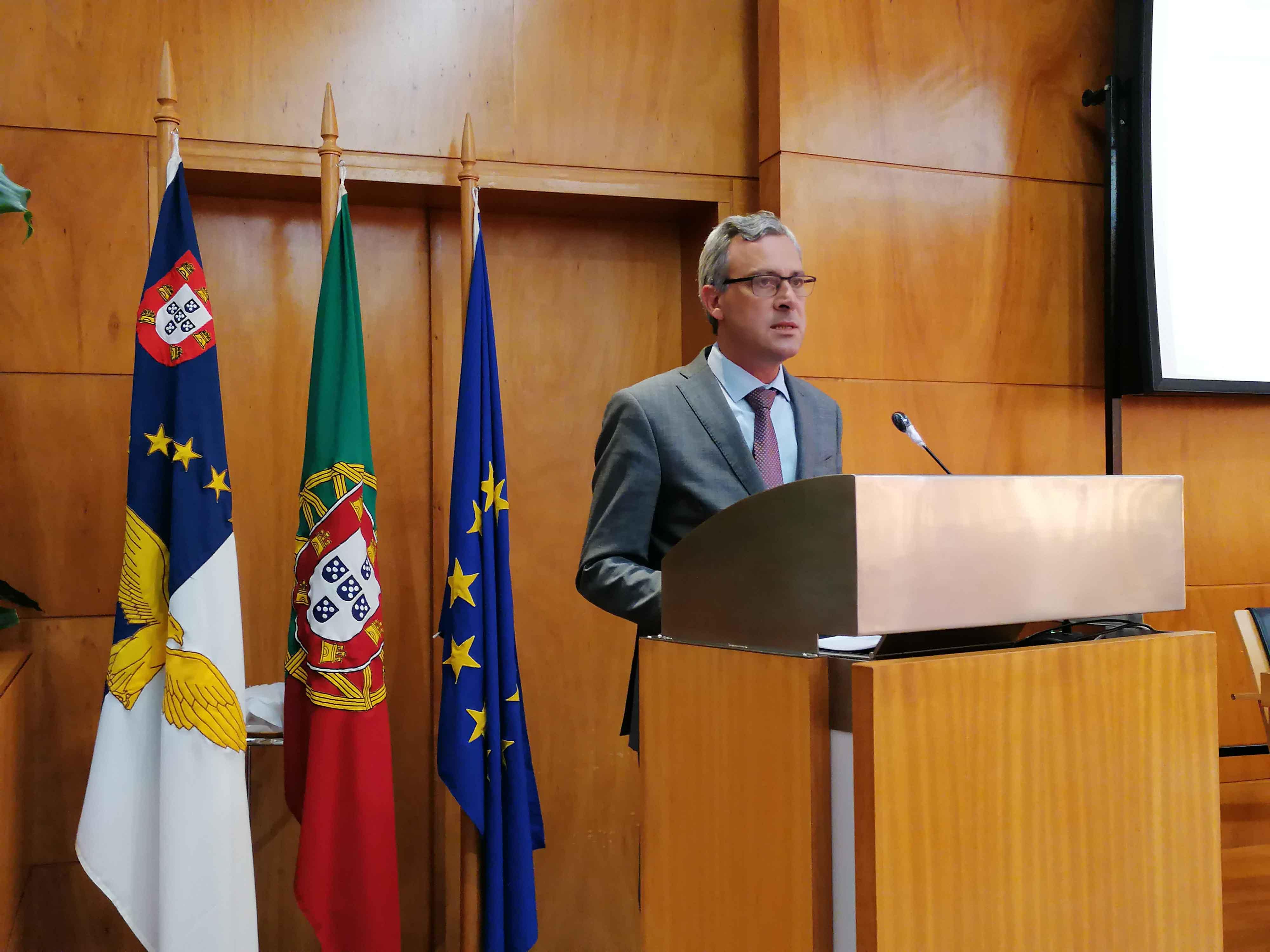 Governo dos Açores investiu mais de quatro milhões de euros em 65 bolsas de investigação científica
