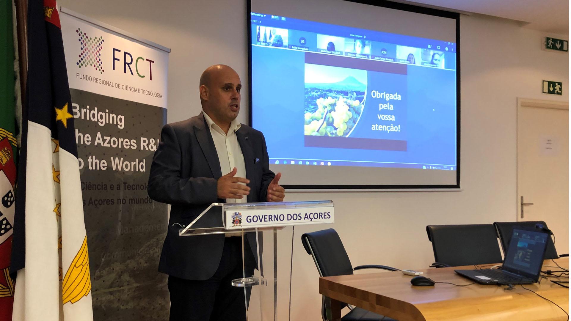 Governo dos Açores atribui 10 bolsas a recém-doutorados para ingressarem no mercado de trabalho regional